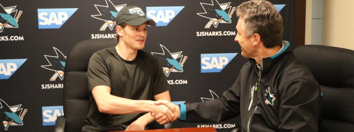 Sharks Sign forward Rudolfs Balcers