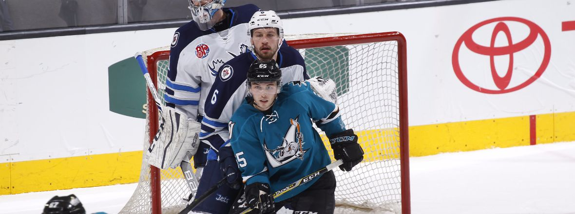 MANITOBA SCORES FIVE IN FIRST 40, WIN 5-2
